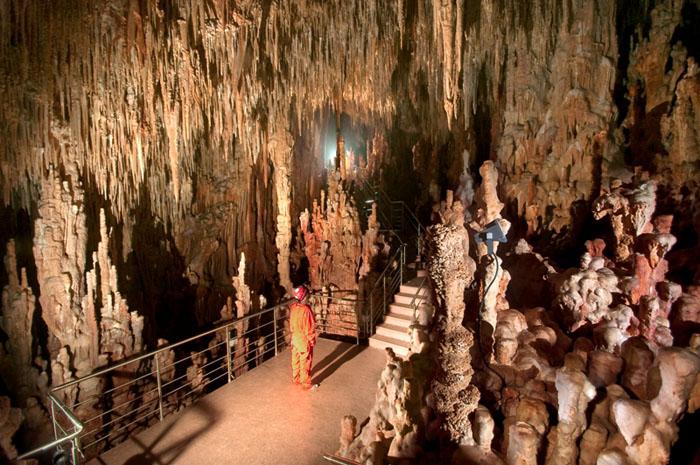 kastania_cave